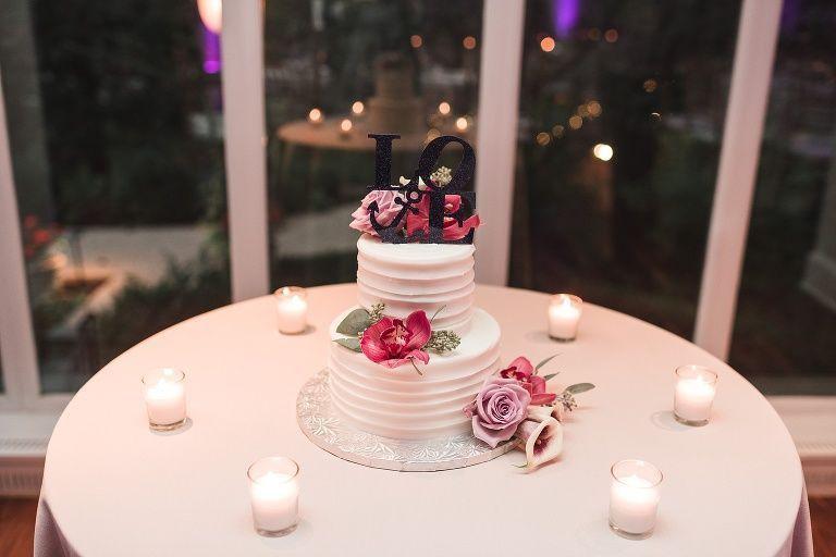Two tier wedding cake | Brittani Elizabeth Photography