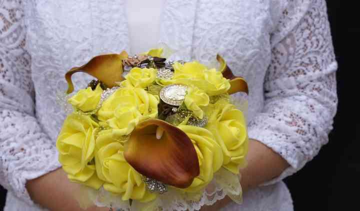 Lyllyan Queen (Little Backyard Wedding Boutique)
