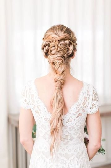 Hairdo | Photography:  Natalie Broach