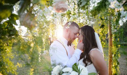 Pave Weddings By Nicole