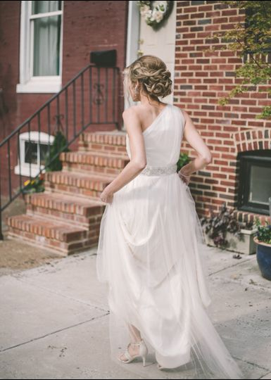 Bride walking | Photo Credit: Barbara O Photography