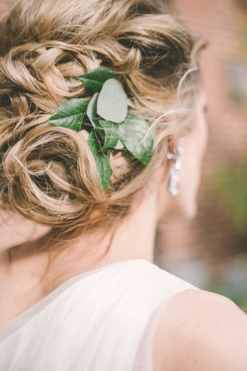 Sample hair accessory | Photo credit: Barbara O Photography