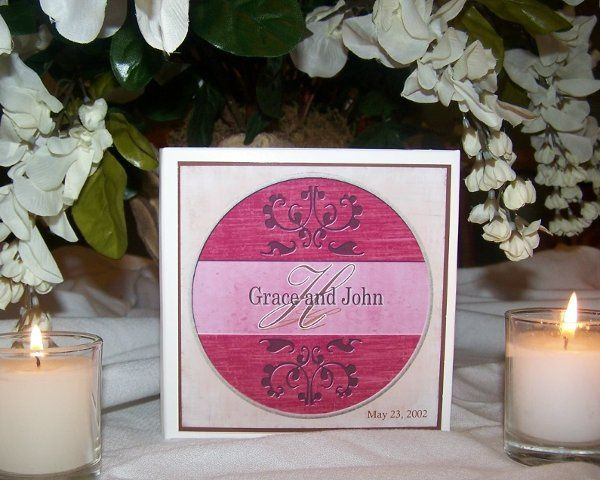 This design can be personalized with your wedding information.