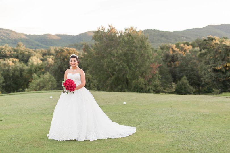 Bride photo in the field