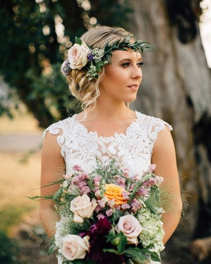 Flower headband and bouquet