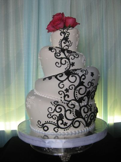 White topsy tervy wedding cake