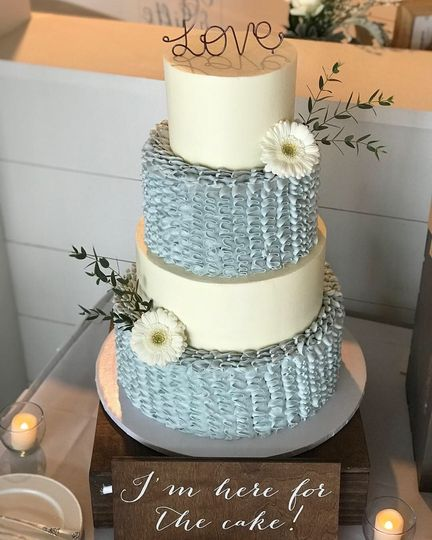 4-tier cake with grey tiers