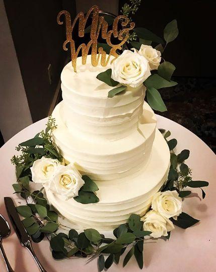 3-tier classic white wedding cake