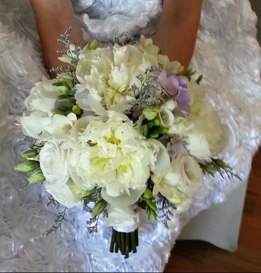 Peony and roses (popular)
