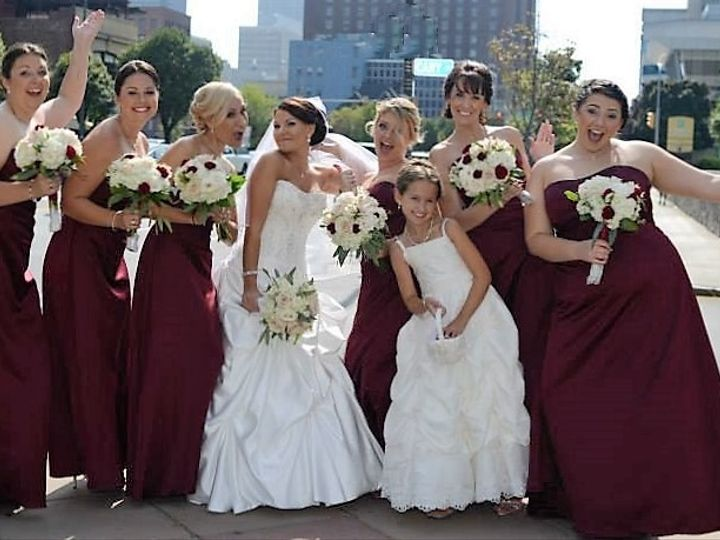 Tmx 1493066633325 1620445102054760640058172384979206104736646n North Tonawanda, NY wedding florist
