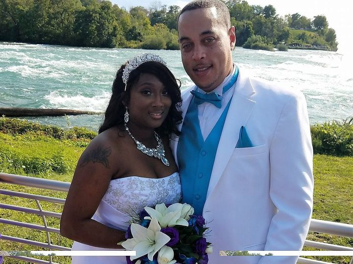 Tmx 21125610 2023513954341240 1384608929194352737 O 51 436301 North Tonawanda, NY wedding florist