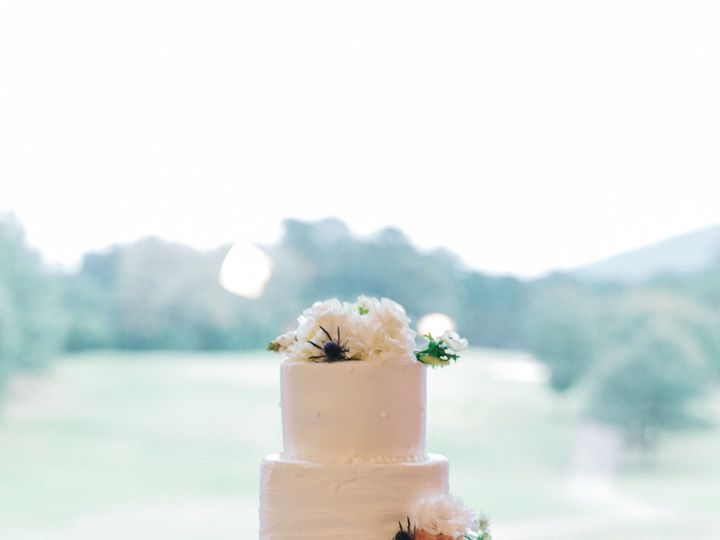Tmx 1516227644 B4e09821410ecccc 1516227639 3f28f8d02c8758a0 1516227632752 3 WC142 Marietta, GA wedding cake