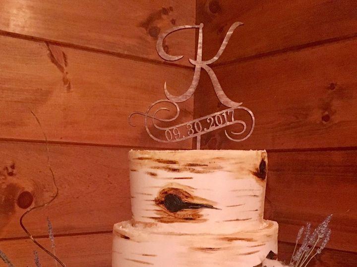 Tmx 1518460694 5e52f2efac1aa840 1518460692 Fc71cfcb6d925b23 1518460688440 2 WC149 Marietta, GA wedding cake