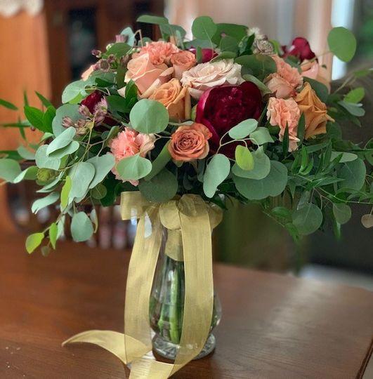 Asymmetrical bridal bouquet