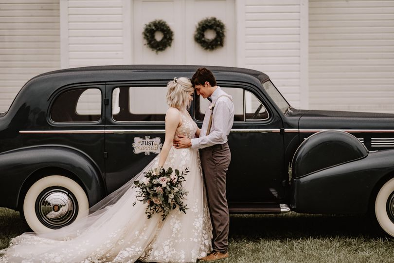 southern grace barn lithia tampa rustic elegant chic wedding photography tampa photographer 436 51 997301 160519551162640