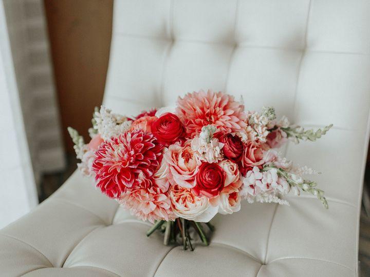 Tmx Living Coral Bouquet Sibyl Sophia Des Moines Iowa 51 960401 1557876896 Des Moines, IA wedding florist