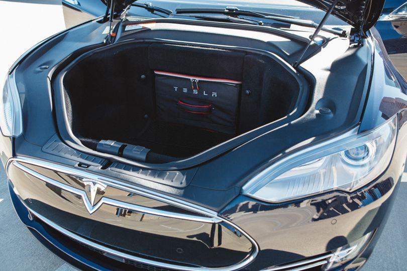 Tesla 'frunk' extra space