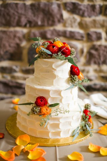Textured cake with flowers