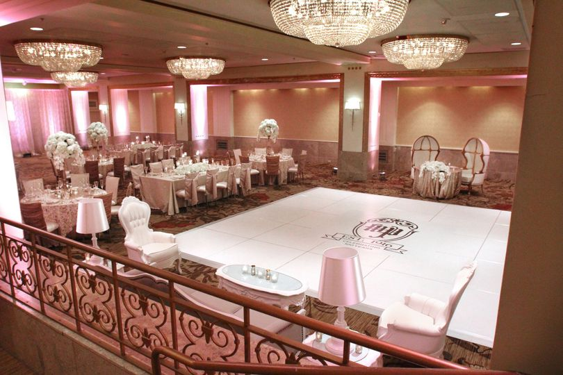 10 dazzling chandeliers adorn the William Penn Ballroom ceiling while your guests are entertained...