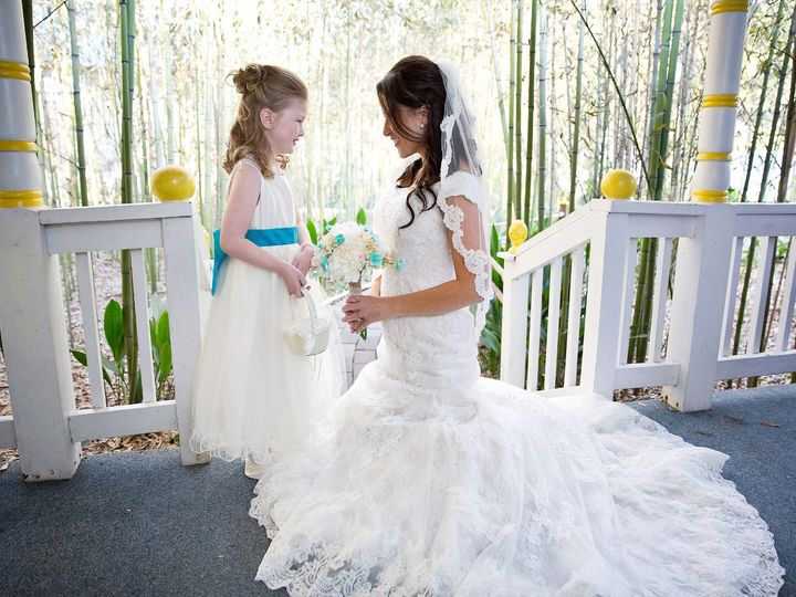 Tmx Bride Flowergirl Porch 0005 51 126401 157741320575006 Covington, LA wedding photography