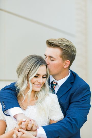 A loving kiss - Kacy Hughes Photography