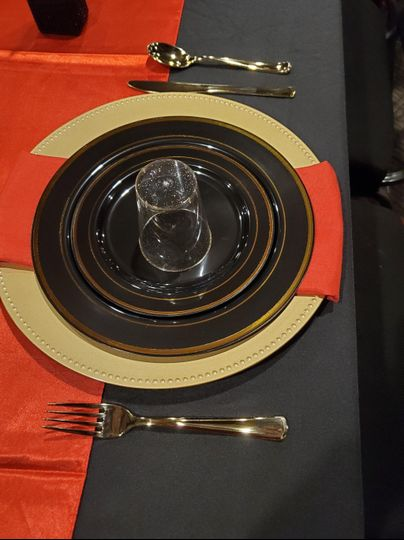 Place setting for dining