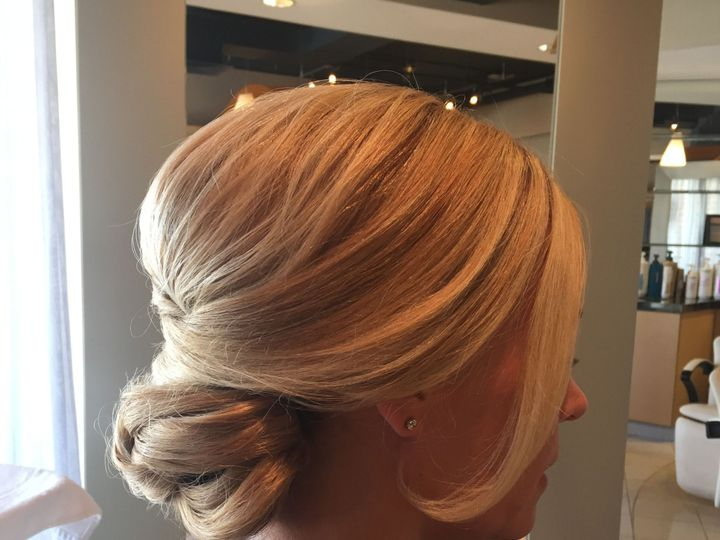 Tmx Jenn4 51 1589401 1573049556 Manhattan, KS wedding beauty