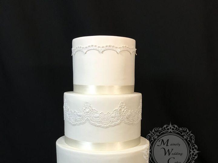 Tmx 1538496132 11947db04fc75882 1538496129 361e6c7b6af948b3 1538496123715 4 Brooke And Paul 2 Lisbon Falls wedding cake