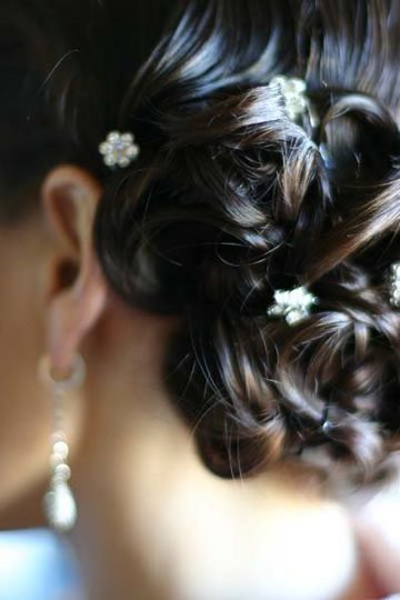 800x800 1281470506501 weddinghair