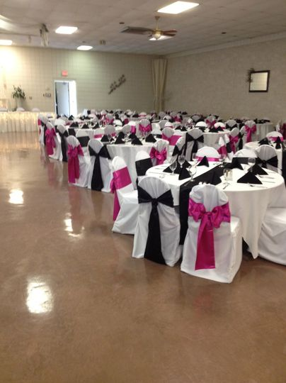 Black and pink chair bows