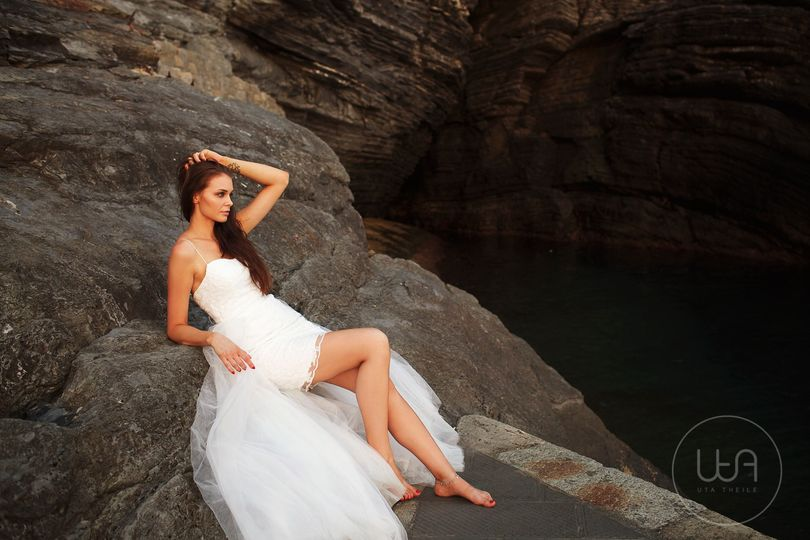Bride on the rocks