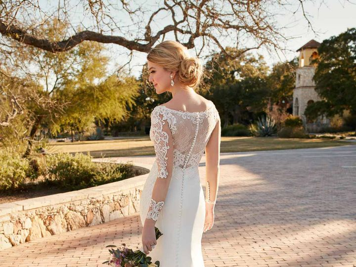 Tmx 1523658044 077c39eac0c88528 1523658042 6a265ecef53bd5a6 1523658037361 4 D2124.1464816399.0 San Jose, California wedding dress