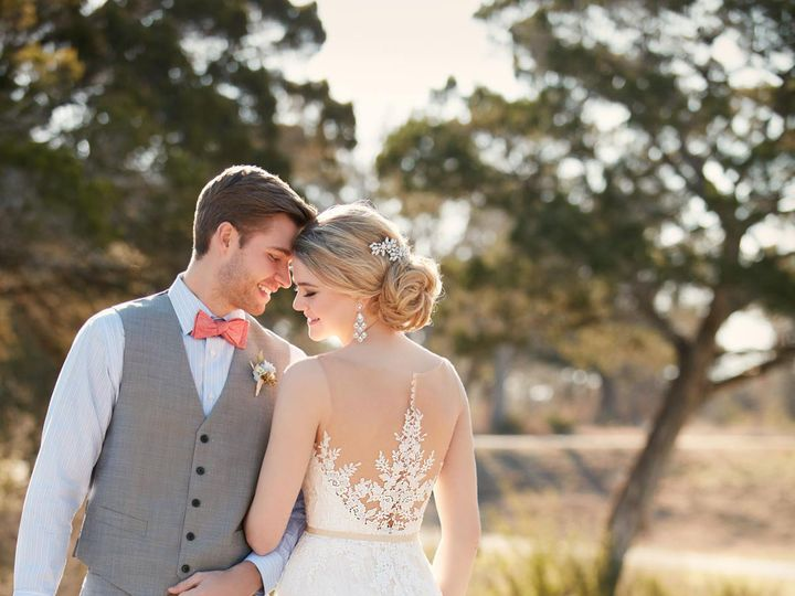 Tmx 1523658044 93808664d1801bba 1523658042 8a18ae62ccdbfe0f 1523658037357 3 D2085.1464816379.0 San Jose, California wedding dress