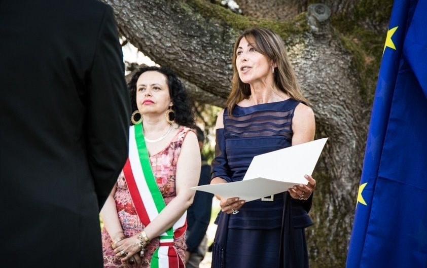 Interpreter civil ceremony