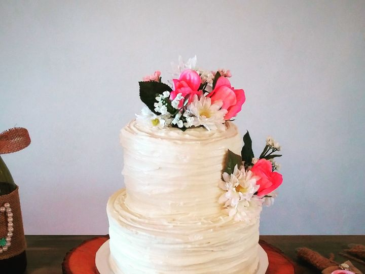 Tmx 14680925 1356683181032736 2413114241327489120 O 51 1036601 High Springs, FL wedding cake