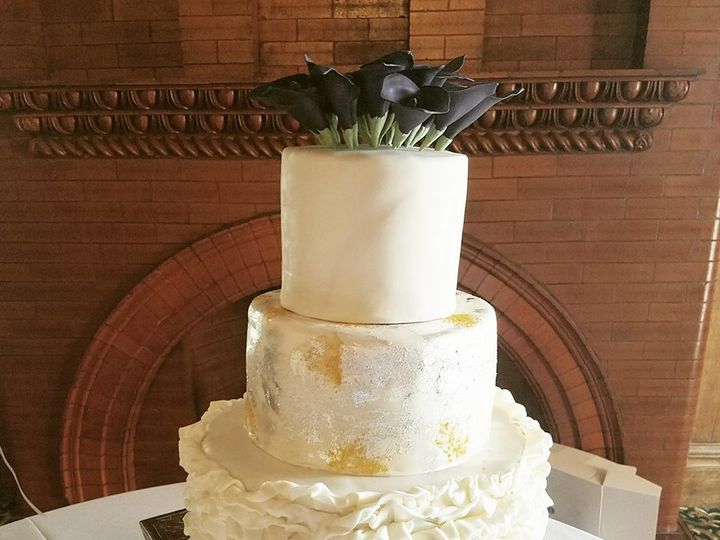 Tmx 22448261 1839229709444745 789992846205802703 N 51 1036601 High Springs, FL wedding cake