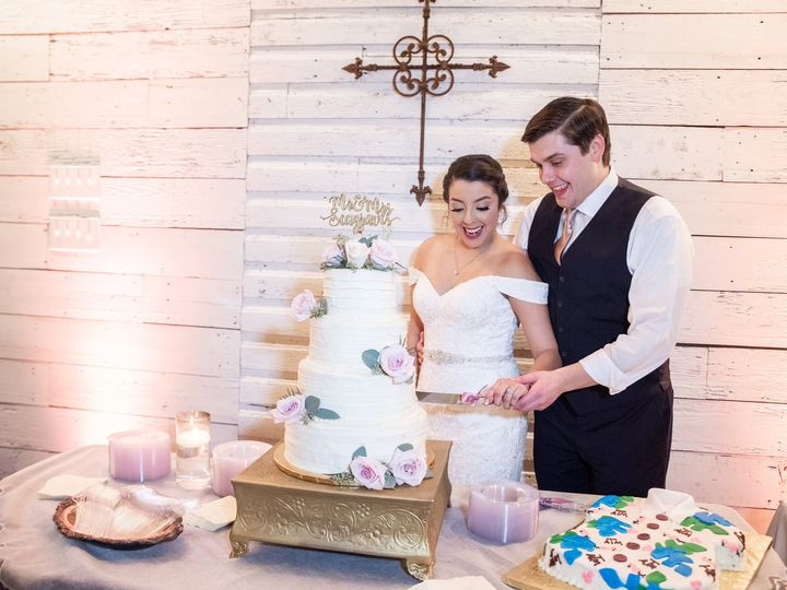 Tmx Cutting The Wedding Cake 2 51 1780701 161102481730066 Decatur, TX wedding venue