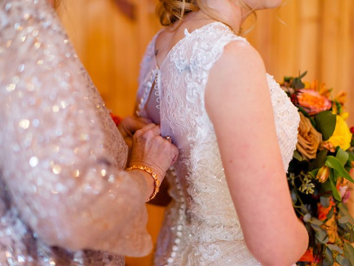Tmx Gettingready 26 51 1871701 158095661981799 Port Royal, PA wedding videography