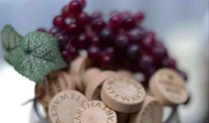 WineO Wedding Wine Stoppers