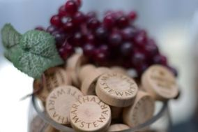 WineO Wedding Wine Stoppers