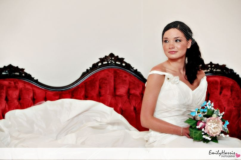 Bride's room victorian settee