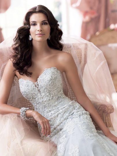 7afc81681a1facfe 114293 SITTING ALT wedding dresses 2014