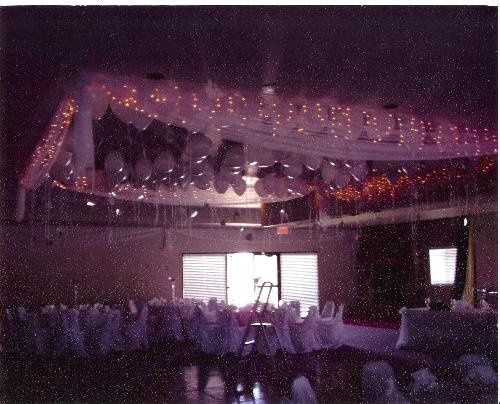 London Bridge Resort Convention Center - lights and angelmist surround 100 balloons to canopy over...