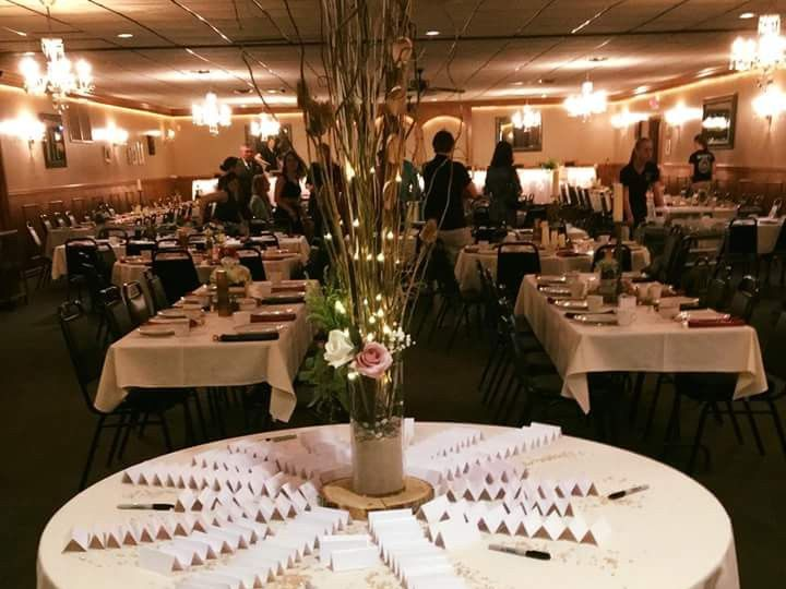 Tmx Img 40611 51 950801 158105099327445 Little Suamico, Wisconsin wedding florist