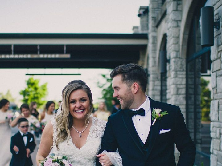 Tmx Img 41491 51 950801 157483721775599 Little Suamico, Wisconsin wedding florist