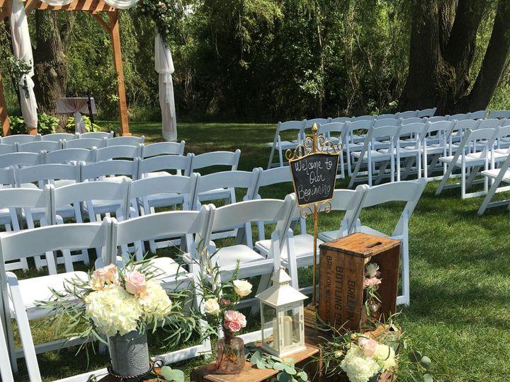 Tmx Img 61761 51 950801 157483735243376 Little Suamico, Wisconsin wedding florist