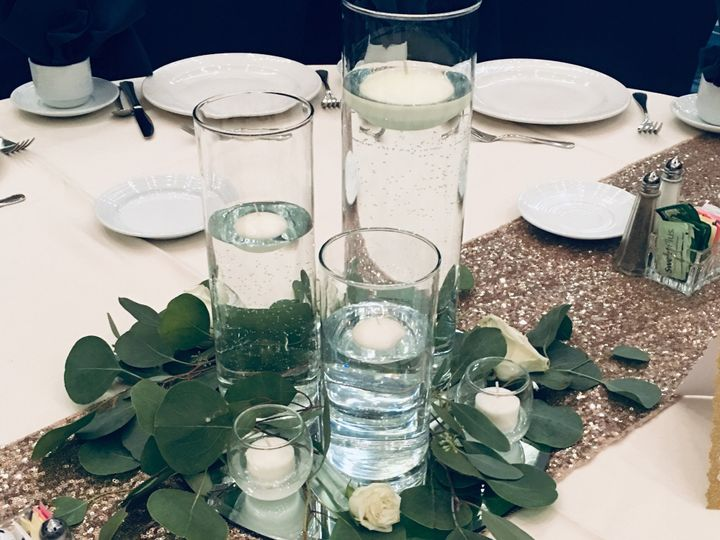 Tmx Img E63981 51 950801 158105104350059 Little Suamico, Wisconsin wedding florist