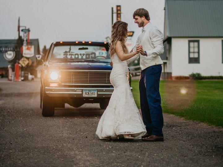 Tmx Minnesotarustic Littleloghouse 51 1001801 159232102791015 Saint Paul, MN wedding photography