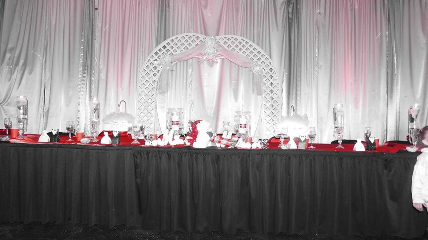 Head table and arch