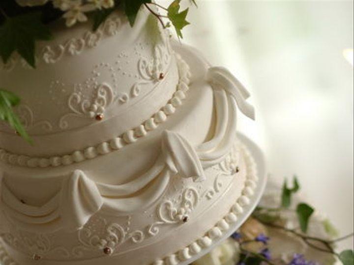 Tmx 1516842571 C09dff61347b24df 1516842570 2a1ef6b04ccaee78 1516842559532 19 CDLC048 Renton, WA wedding cake